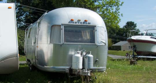 Front view - 1969 Airstream Tradewind, July 14, 2009