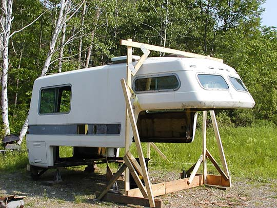 Starcraft Truck Camper shell, exterior, right front