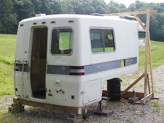 Starcraft Truck Camper shell, exterior, right rear
