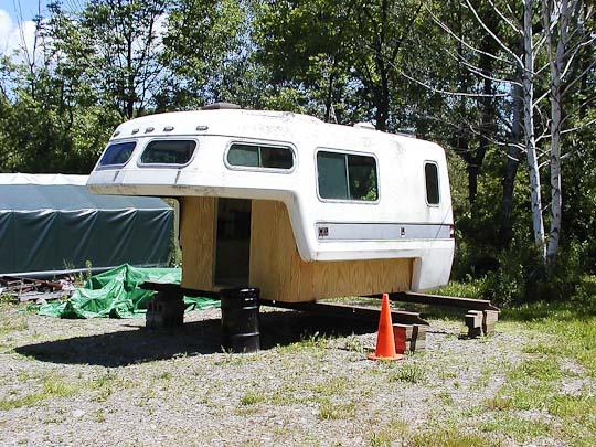 Starcraft Truck Camper shell, exterior, left front