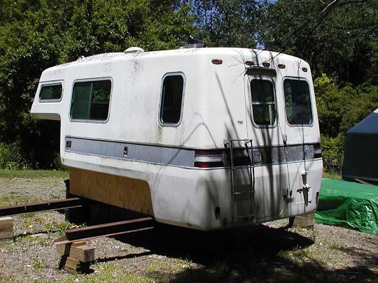 Starcraft Truck Camper shell, exterior, left rear