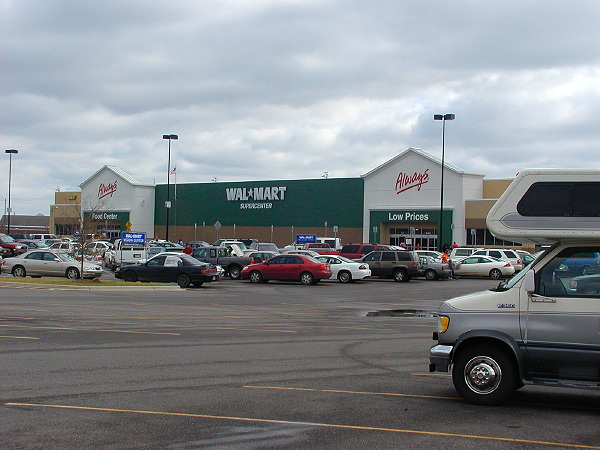 Wal-Mart Supercenter in green, Demopolis AL, December 21, 2007